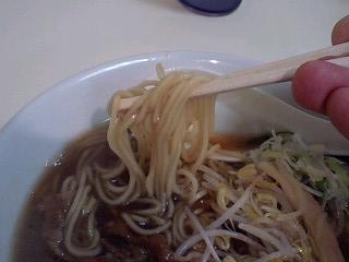 まる貴 徳島ラーメン玉子入り 麺