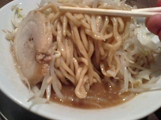 ジャンクガレッジ ラーメン(並) 麺