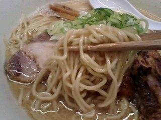 らーめん会 豚鶏節らーめん3.0(大) 麺