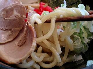 神田パーキングエリア 鰹だし魚介豚骨つけ麺 麺