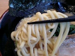 麺家 昴 とんこつ醤油らーめん 麺