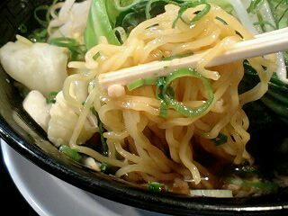 西松家 醤油ラーメン(チャーシュー0枚) 麺