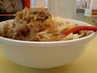 神座 牛焼肉と野菜のスタミナラーメン(中盛) 横から