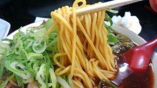 新福菜館 中華そば(並) 麺
