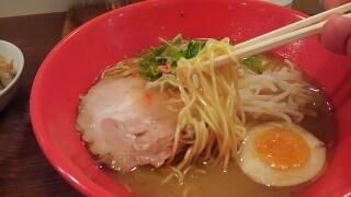 祐 海老らーめん(とんこつ) 麺