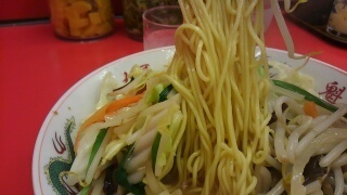 ラーメン魁力屋 野菜たっぷりタンメン 麺