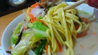 遊食館 シャキシャキ野菜ちゃんぽん 麺