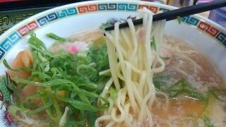 モテナス 京小町塩らーめん 麺