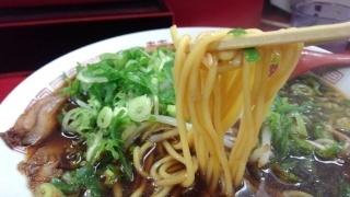 新福菜館 中華そば(大) 麺