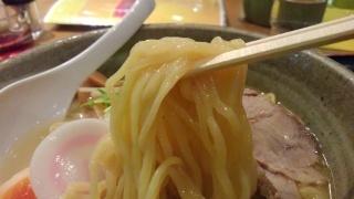 らくらく亭 鶏白湯ラーメン(大) 麺