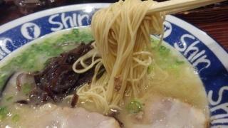 博多純情らーめんShin Shin ラーメン 麺