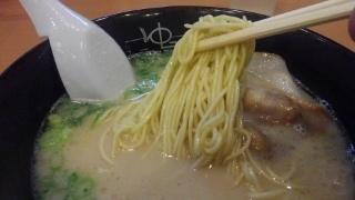 糸島ラーメンゆうゆう ラーメン 麺