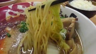 ラーメンまこと屋 赤旨鶏じゃんラーメン 麺