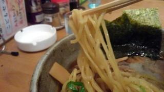 らくらく亭 鶏骨あっさりラーメン(醤油)(大) 麺
