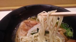 うまかラーメン しょうゆラーメン(細麺大盛) 麺