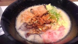 うまかラーメン とんこつラーメン(中太麺)@阪神スナックパーク