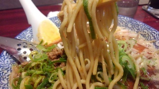 dan dan noodles 魚担々麺 麺