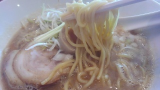 吉み乃製麺所 濃厚らーめん 麺