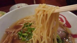 上方段七 醤油らーめん 麺