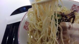 博多LAB 博多LABラーメン 麺