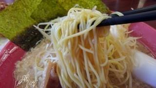 魁力屋 白ネギラーメン 麺