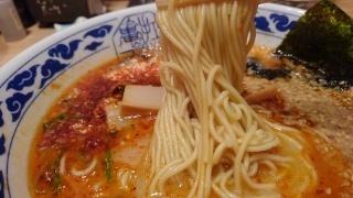 九州ラーメン 亀王 昔味 赤 麺