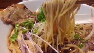 麺屋たにぐち 豚醤油らーめん 麺