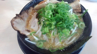 ラーメン食堂 神豚 正油とんこつ@大東店