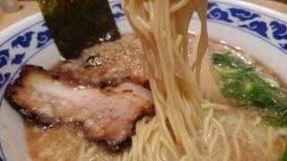 九州ラーメン 亀王 昔味 黒 麺